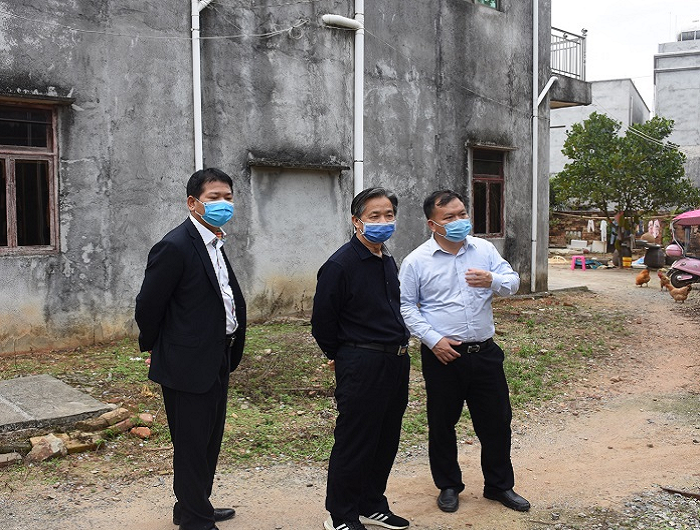 赵广辉检查指导滨海新区农村人居环境整治工作时强调:全力打造干净整洁村庄